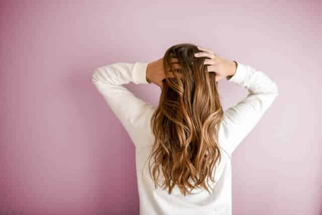 Free Hair Care Tips in Hindi for Girls: Oil Massage