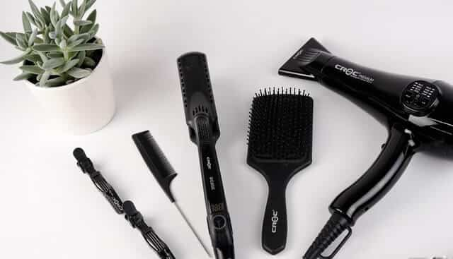 Free Hair Care Tips in Hindi for Girls: Combs